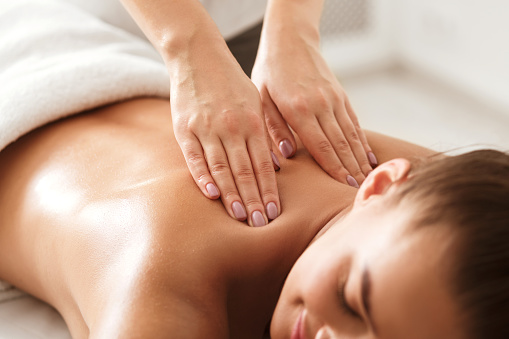 BACK RELAXING MASSAGE (Πακέτο 10 massage)